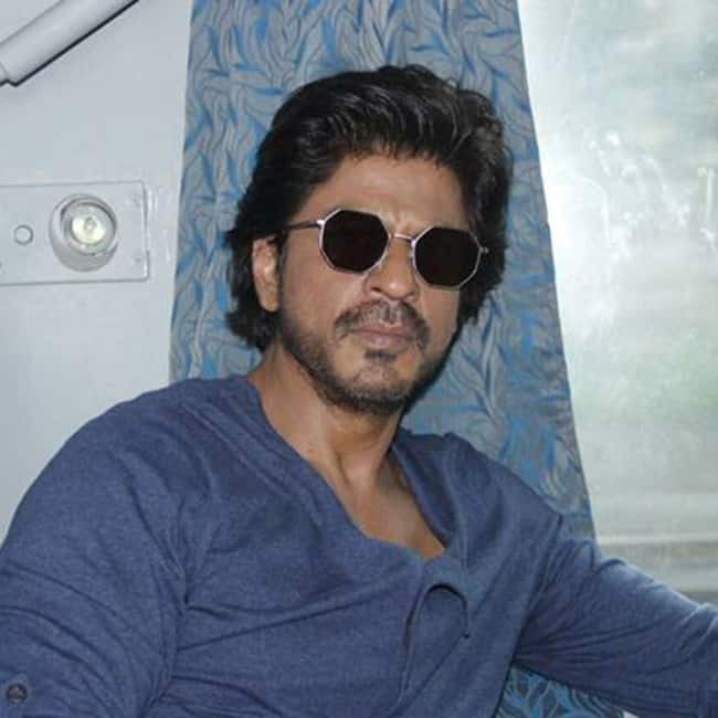 Shah Rukh Khan ditched flight for train journey for Raees promotions
