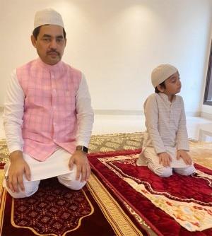 Eid-al-Adha 2020: Devotees Across India Brave COVID Lockdown, Offer Prayers Maintaining Social Distance