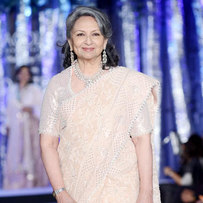 Sharmila Tagore is True Beauty of Elegance And Grace in Pastel Peach Saree