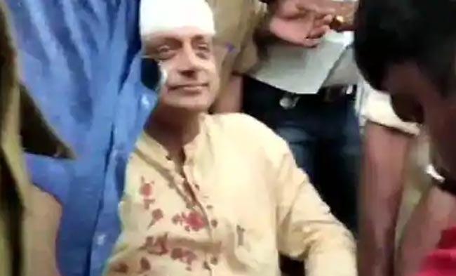 Shashi Tharoor Suffers Head Injury While Offering Prayers at Temple in Thiruvananthapuram
