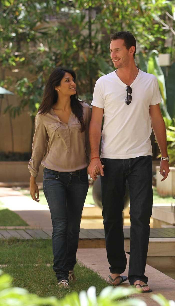 Shaun Tait and wife Mashoom Singha