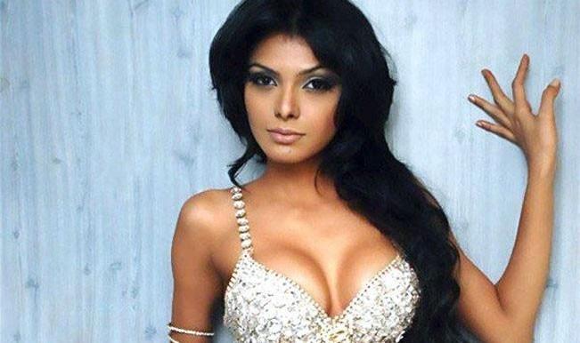 Best cleavage photos