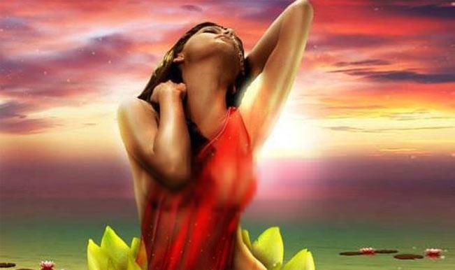 Sherlyn Chopra in Kamasutra 3D