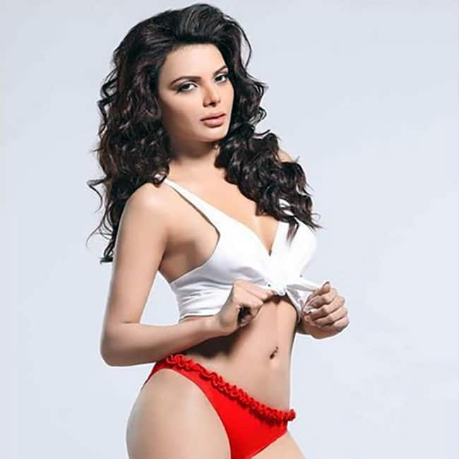 Sherlyn Chopra in ravishing bikini suit