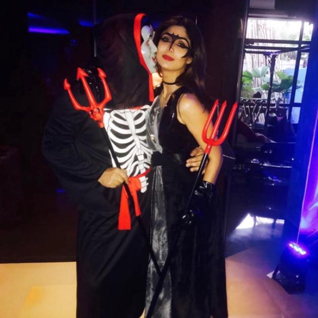 Shilpa Shetty with Raj Kundra during son Viaan   s Halloween party