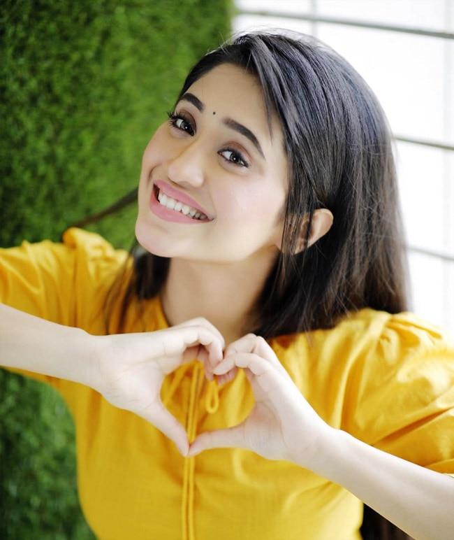 Shivangi Joshi cute photos