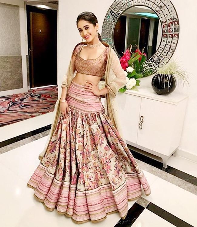 Shivangi Joshi Looks Mesmerising