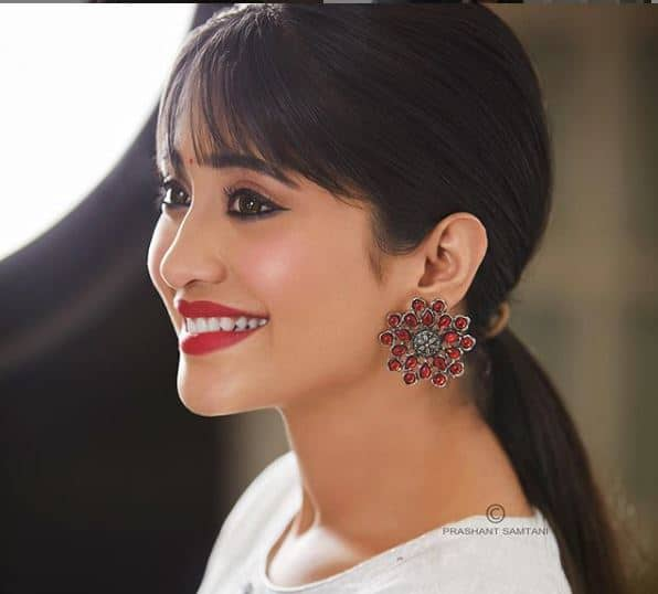 Shivangi Joshi   s picture in a white top and bold red lips will make you spellbound