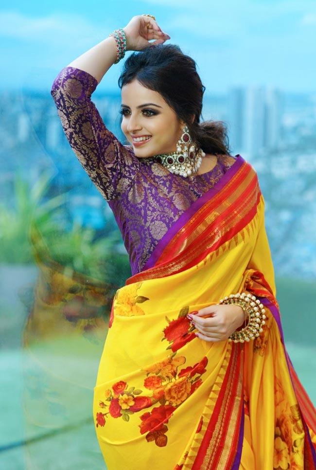 Shrenu Parikh wears a silk saree in new photoshoot