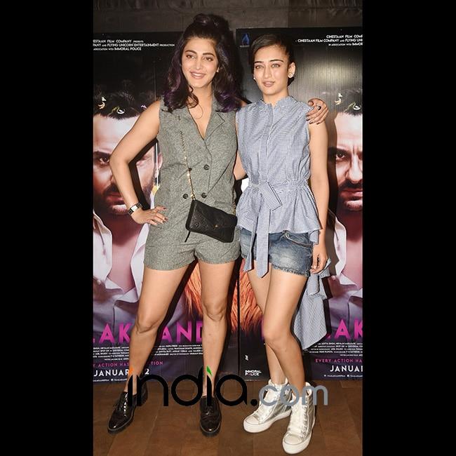 Shruti Haasan and Akshara Haasan at special screening of Kaalakaandi