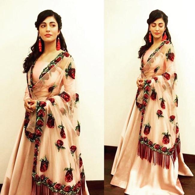 Shruti Haasan in Sunaina Khera for a friend   s wedding