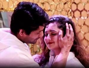 Bigg Boss 13 November 25 Episode: Siddharth Shukla, Rashami Desai's Steamy Romance is Pure Love