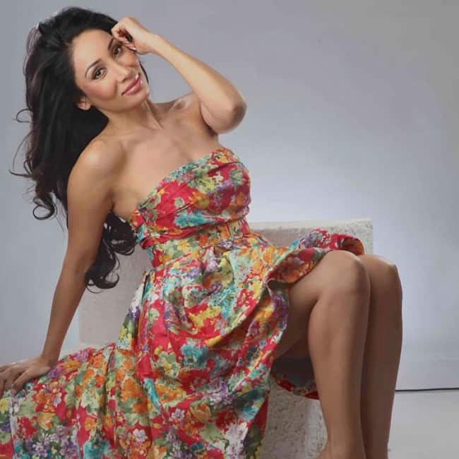 Sofia Hayat in sexy off shoulder outfit