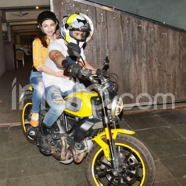 Soha Ali Khan and Kunal Kemmu spotted