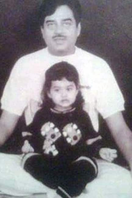 Sonakshi Sinha As A Child Trying To Perfrom Yoga With Father