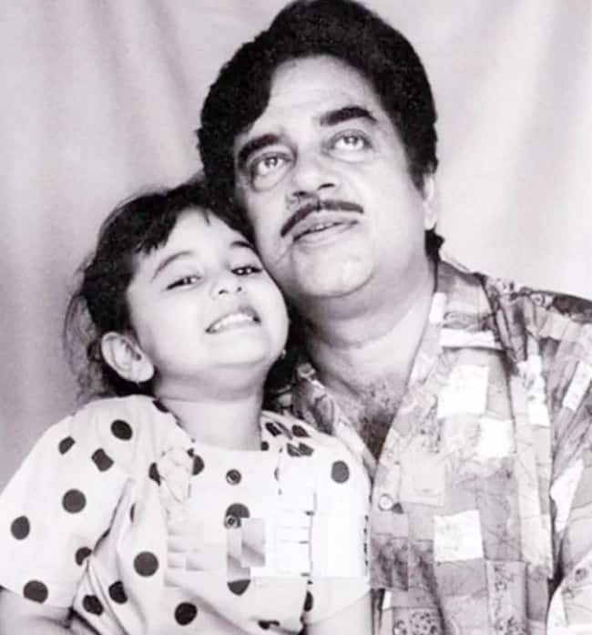 Sonakshi Sinha Birthday  Little Sonakshi With Father Shatrughan Sinha