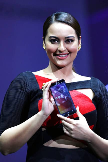 sonakshi sinha clicked at the launch of new smart phones from asus