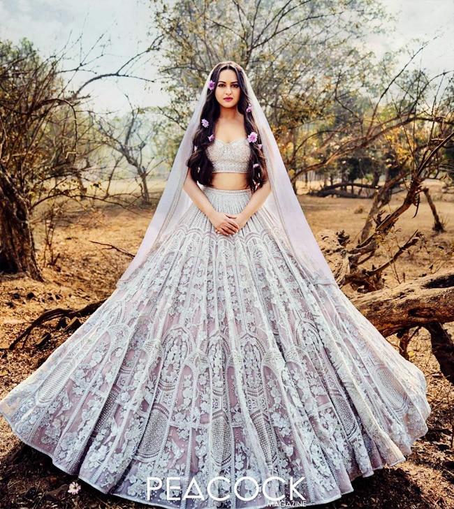 Sonakshi Sinha Looks Like a Vision