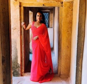 Sonakshi Sinha Looks Too-Stunning-For-Words in Her Latest Saree Looks From Dabangg 3