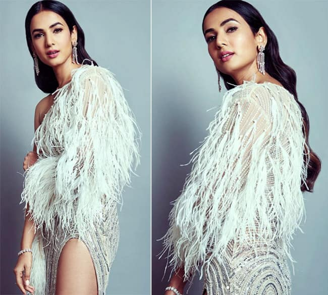 Sonal Chauhan Gets Ready For Filmfare Glam and Style Awards in an Off White Dress