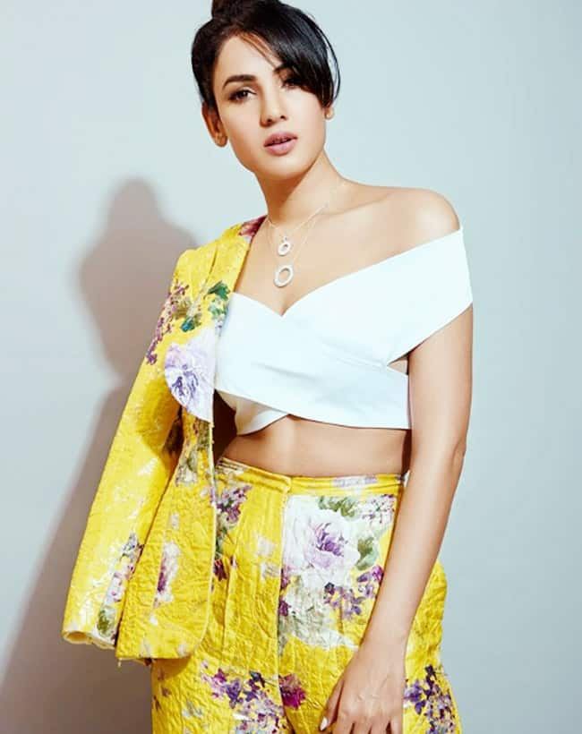 Sonal Chauhan Glams up For Filmfare Awards