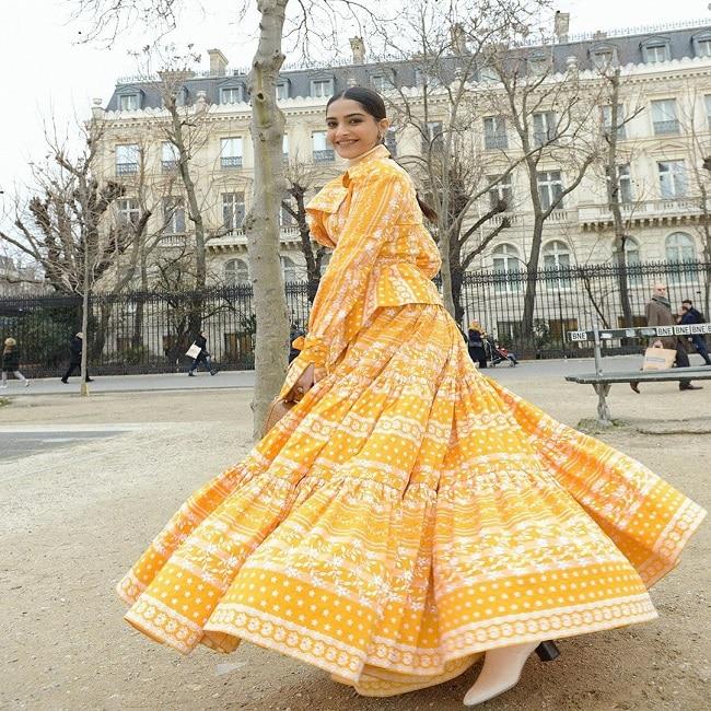 Sonam Kapoor is  Walking on Sunshine