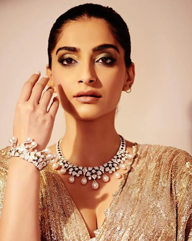 Sonam Kapoor Looks Flawless in This Beautiful Ensemble