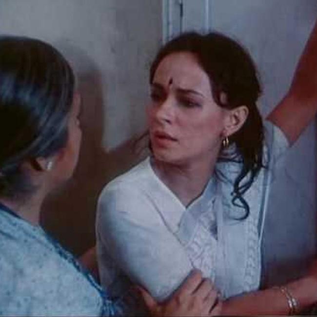 Soni Razdan in Saaransh movie