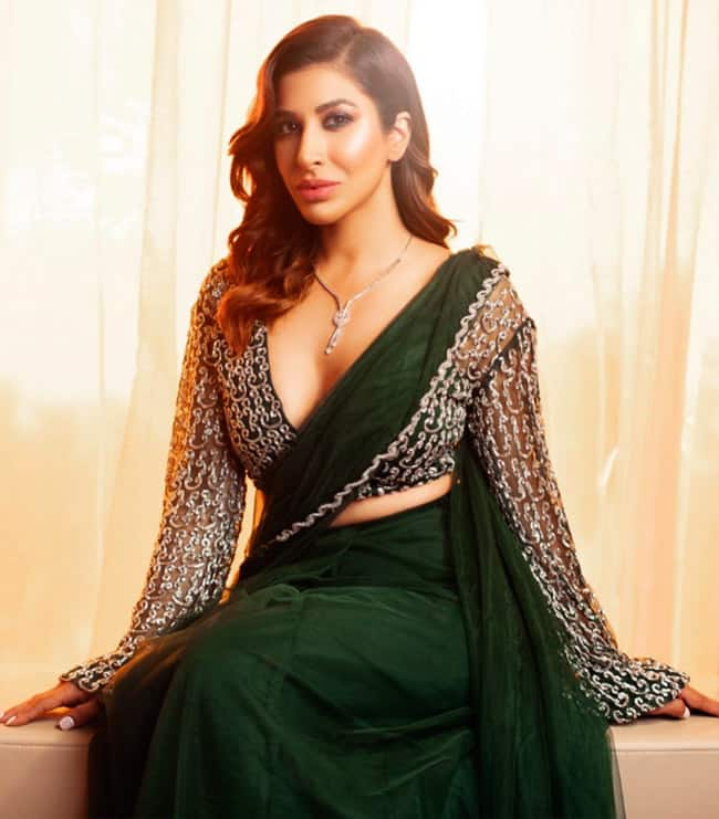 Sophie Choudry Looks Sexy in Plunging Neckline Blouse
