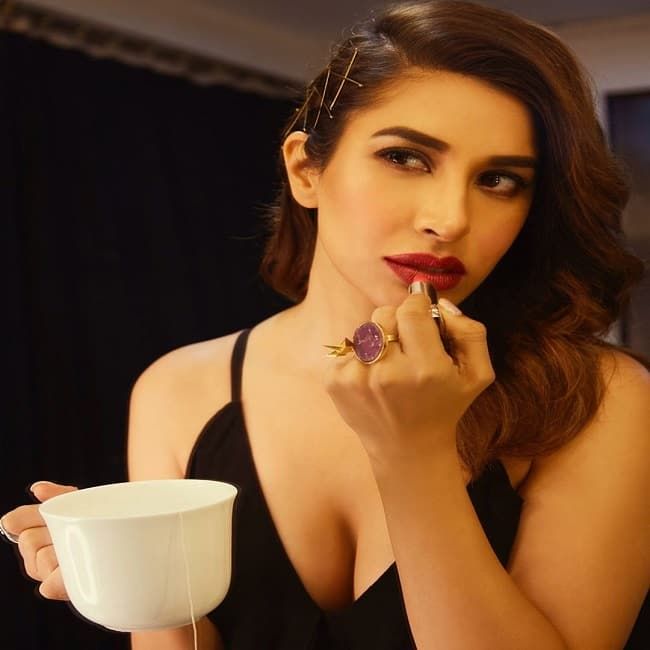 Sophie Choudry's Bold Click in Red Lips