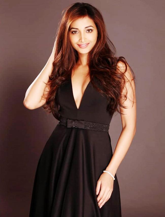 Srinidhi Shetty Stuns in Black Dress
