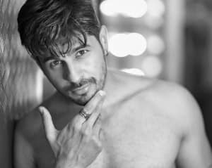 Happy Birthday Sidharth Malhotra: Check 10 Drool-Worthy Pictures of Chocolatey Boy