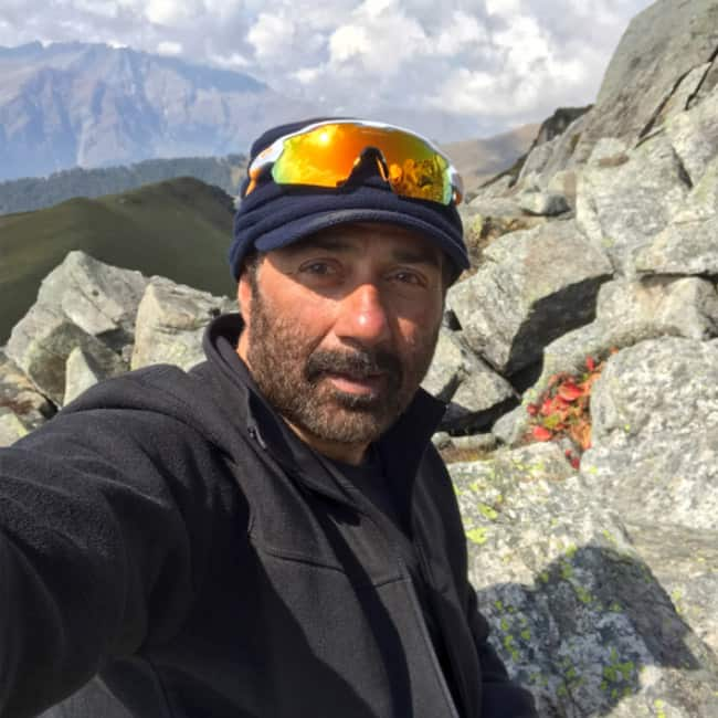Sunny Deol takes a selfie in Manali