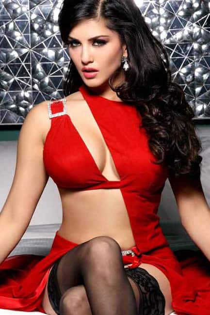 Sunny Leon looks red hot in thus sultry outfit