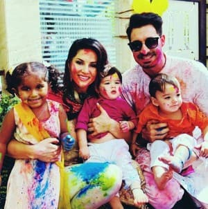 Holi 2019: Varun Dhawan, Sapna Choudhary, Preity Zinta And Many More Celebrities Play a Colourful and Fun Filled Holi