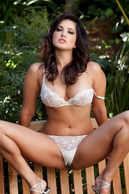 Sunny Leone bold photoshoot
