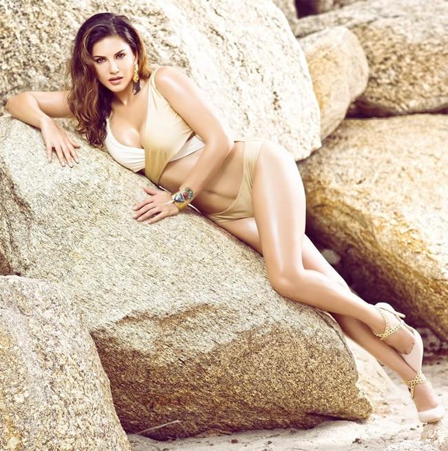 Sunny Leone donned a sexy golden bikini look 2020
