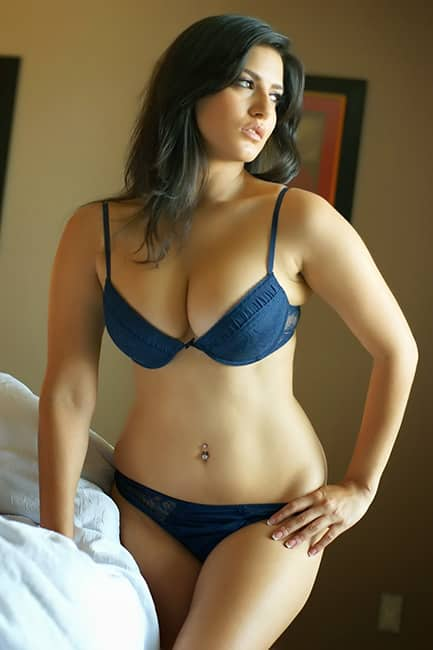 Sunny Leone flaunts blue lingerie during shoot