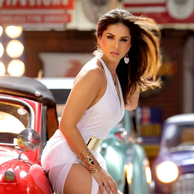 Sunny Leone looks damn hot in this picture