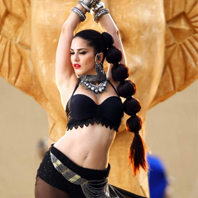 Sunny Leone looks hot AF in this picture
