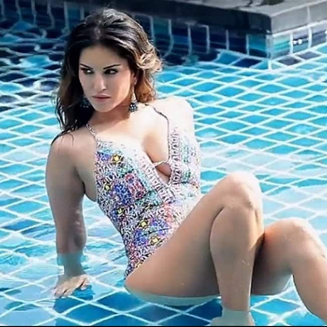 Sunny Leone looks super hot in this picture