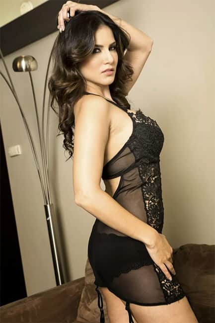 Sunny Leone looks super sexy in this picture