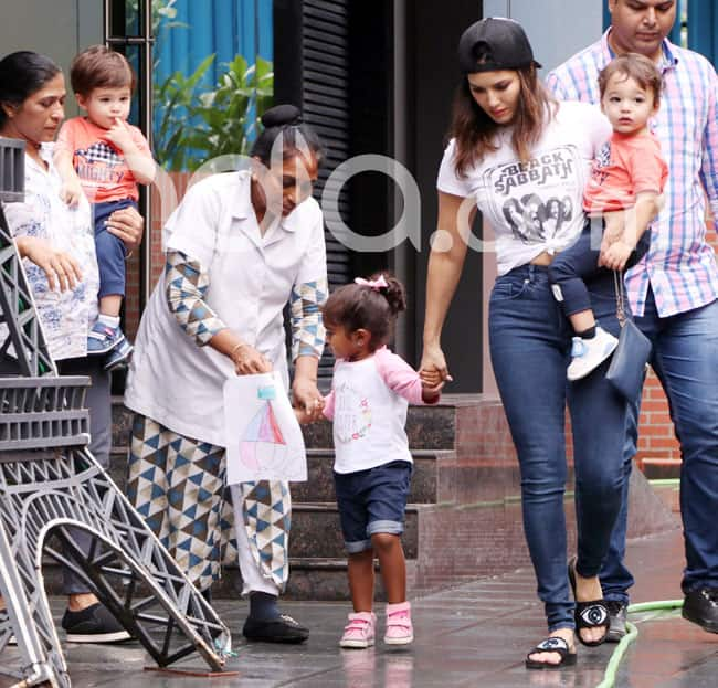 Sunny Leone Picks up Daughter Nisha Kaur Weber And it is All Hearts