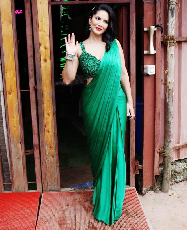 Sunny Leone Sets Saree Fashion
