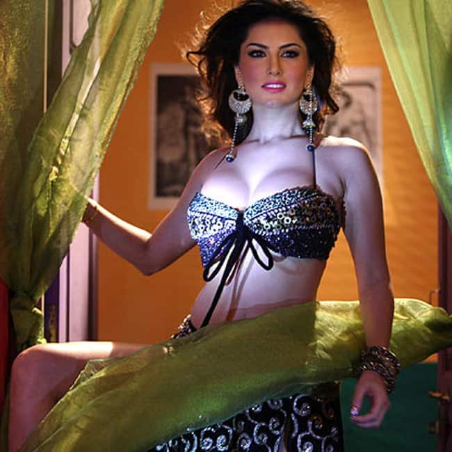 Sunny Leone snapped during sexy photo shoot