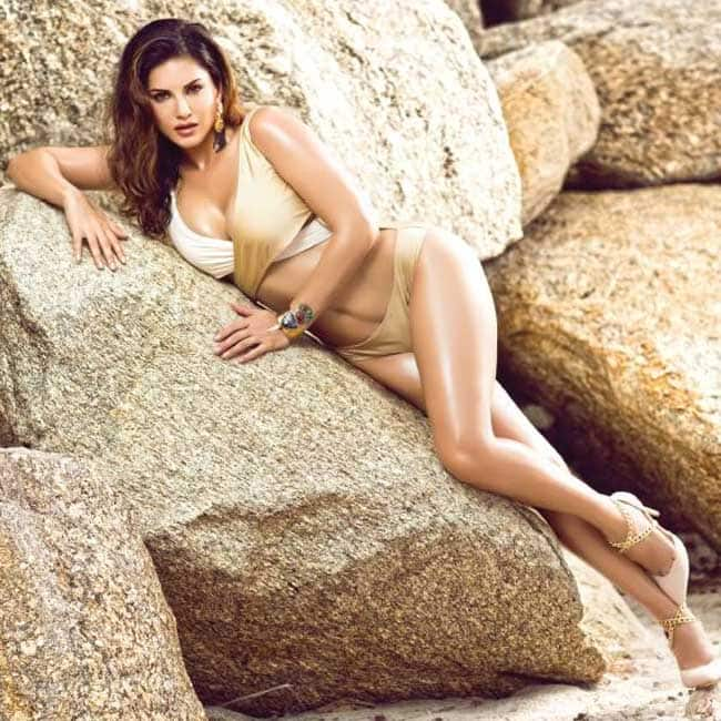 Sunny Leone wishes everyone a    Sunny Year    on Manforce calendar