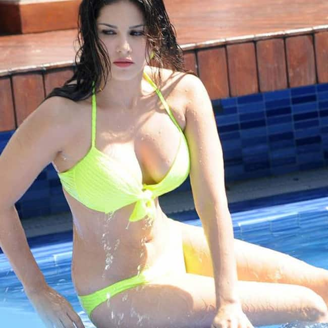 Sunny Leone Poses In Seductive Swimwear-4329