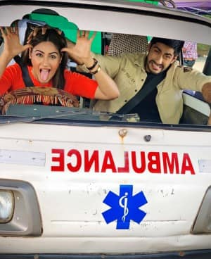 Dr. Ishani Aka Surbhi Chandna 'Takes Over The Driver's Seat' With Dr. Sid Next to Her, Check Out Their Unmissable Reactions