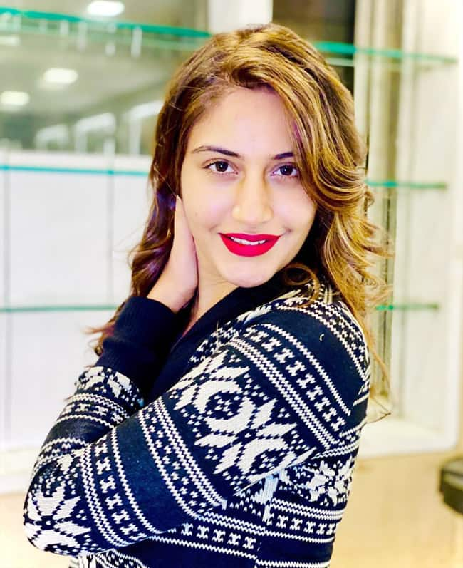 Surbhi Chandna Bold Red Lips Takes The Limelight