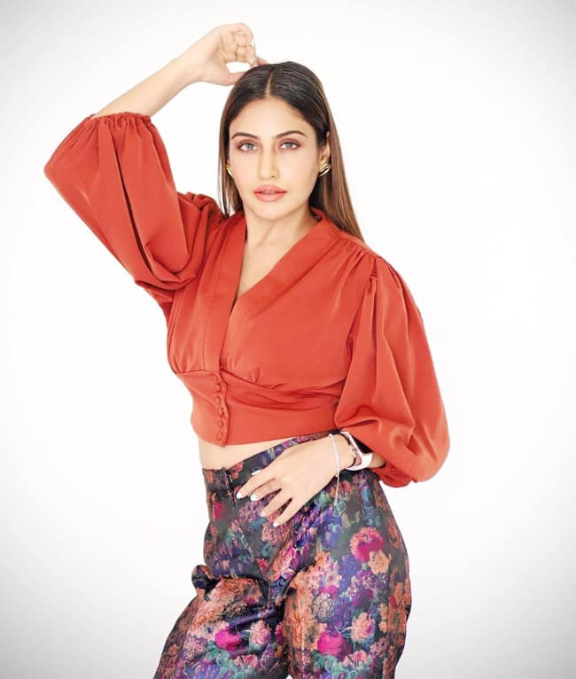Surbhi Chandna Glams Up In Crop Top And Printed Pair of Pants
